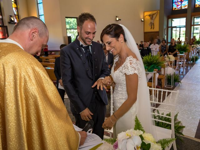 Il matrimonio di Fabrizio e Valeria a Tortoreto, Teramo 24