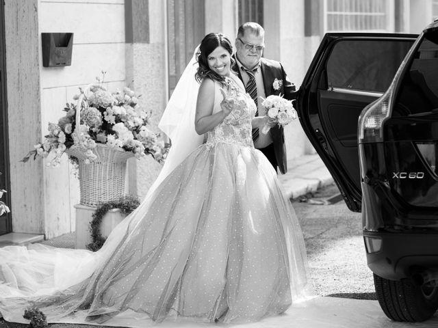 Il matrimonio di Tony e Esmy a Noci, Bari 7