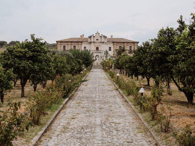 Il matrimonio di Max e Annalisa a Locri, Reggio Calabria 5