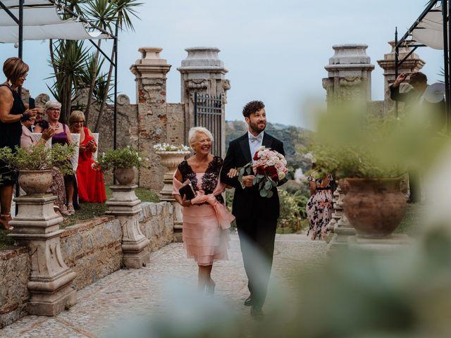 Il matrimonio di Max e Annalisa a Locri, Reggio Calabria 32