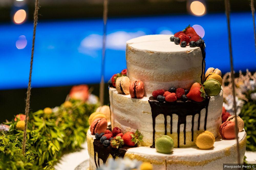 Torta nuziale: con fiori o frutta? 1