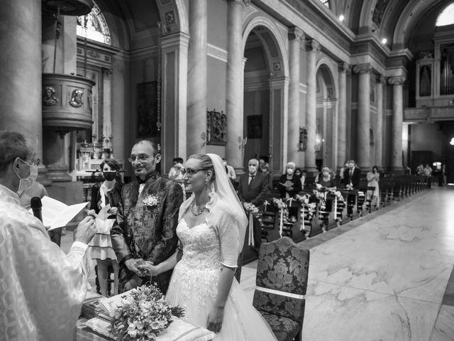 Il matrimonio di Luca e Silvia a Robecco sul Naviglio, Milano 17