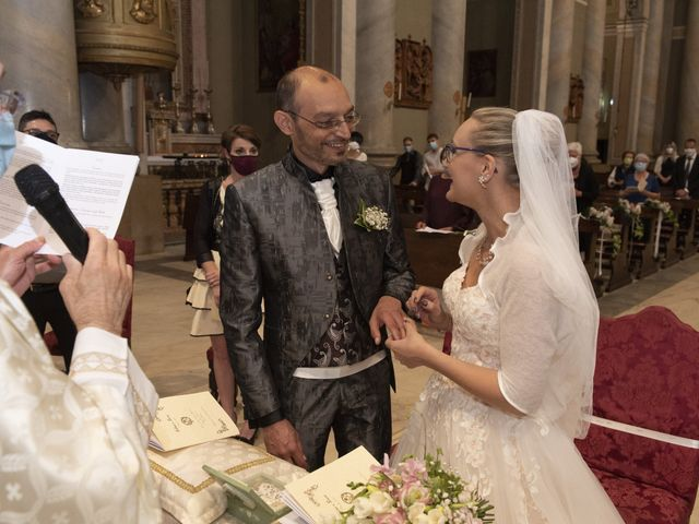 Il matrimonio di Luca e Silvia a Robecco sul Naviglio, Milano 20