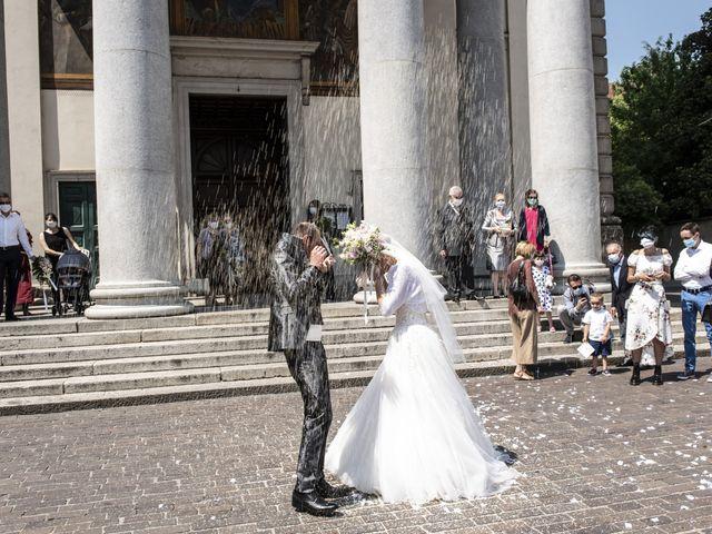 Il matrimonio di Luca e Silvia a Robecco sul Naviglio, Milano 24