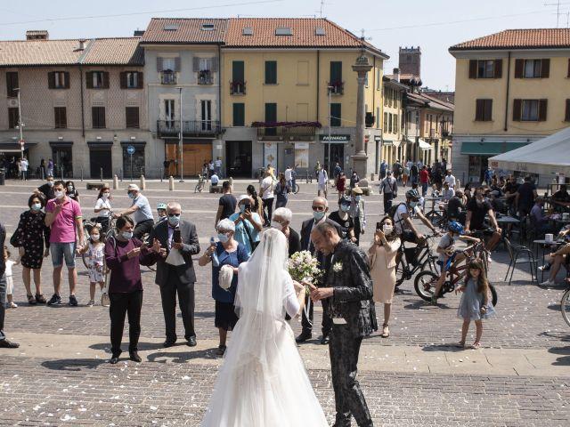 Il matrimonio di Luca e Silvia a Robecco sul Naviglio, Milano 25