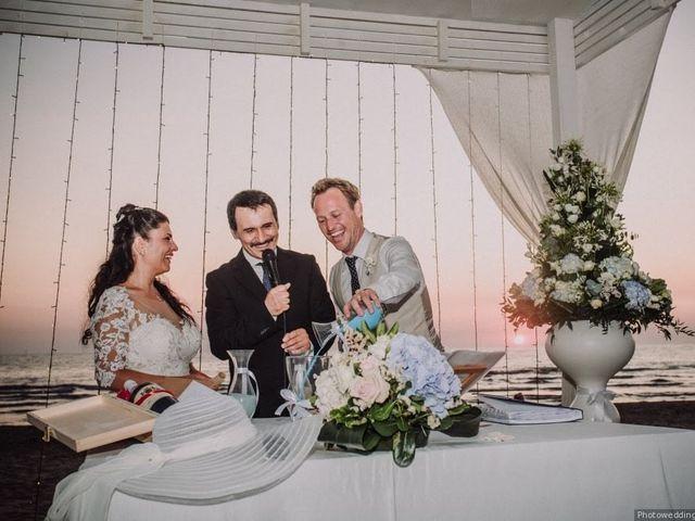 Il matrimonio di  Milo e Maria a Napoli, Napoli 35