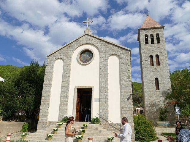 Il matrimonio di Bruna e Mario a Tortolì, Nuoro 11