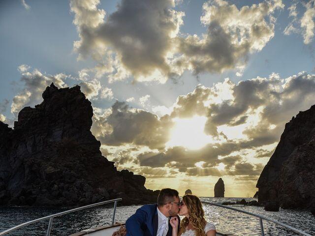 Il matrimonio di Simone e Valentina a Lipari, Messina 4