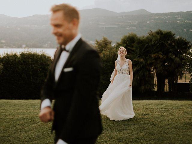 Il matrimonio di Thomas e Julia a Ranco, Varese 16