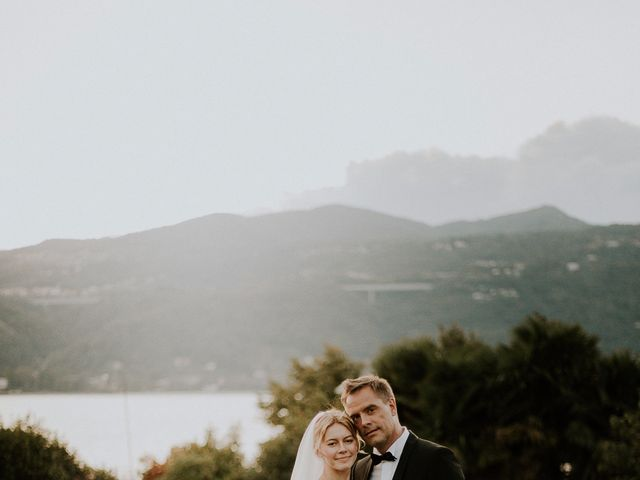 Il matrimonio di Thomas e Julia a Ranco, Varese 25