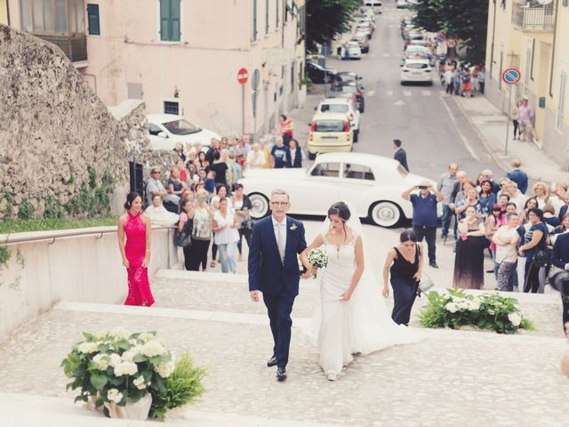 Il matrimonio di Lorenzo e Diletta a Lerici, La Spezia 15