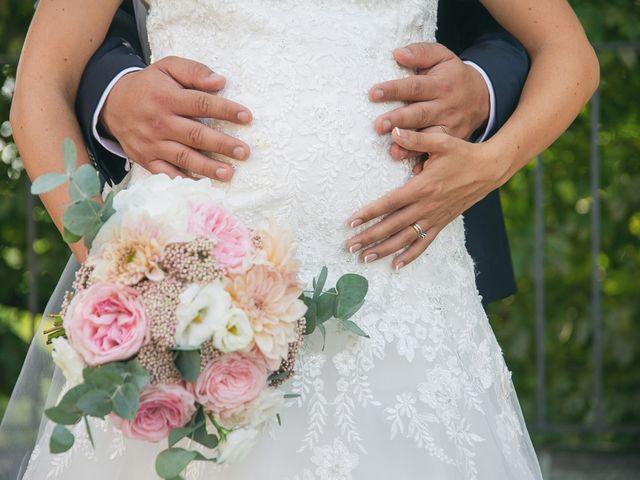 Il matrimonio di Luca e Gretha a Calco, Lecco 33