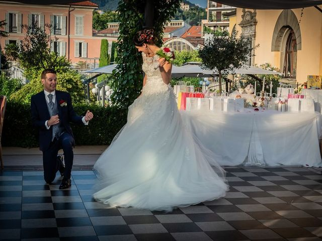 Il matrimonio di Emanuele e Monica a Luino, Varese 27