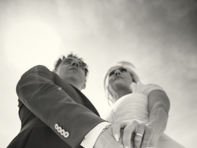 Il matrimonio di Fabio e Sandra a Tortoreto, Teramo 25