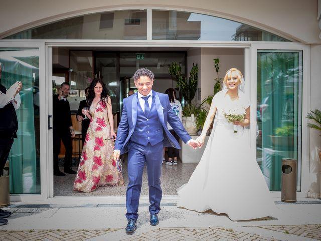 Il matrimonio di Fabio e Sandra a Tortoreto, Teramo 35