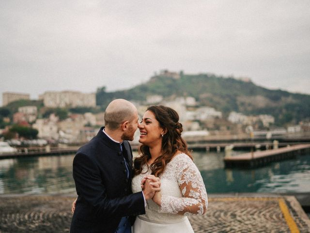 Il matrimonio di Angela e Camillo a Pozzuoli, Napoli 33