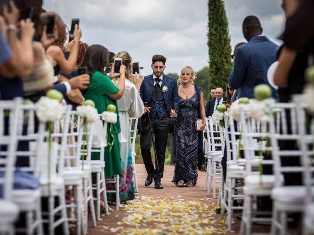 Il matrimonio di Pierluigi e Mayelin a San Gimignano, Siena 27