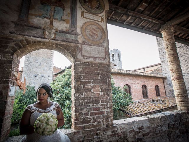 Il matrimonio di Pierluigi e Mayelin a San Gimignano, Siena 77