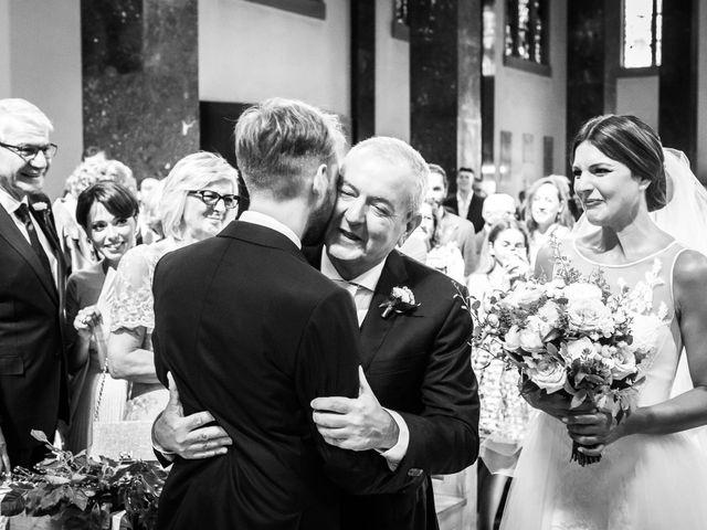 Il matrimonio di Luca e Federica a Paderno Dugnano, Milano 12