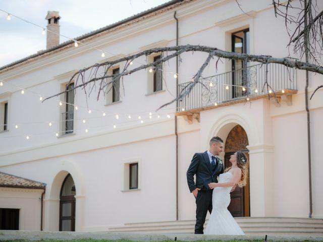Il matrimonio di Francesco e Francesca a Rocca di Neto, Crotone 24