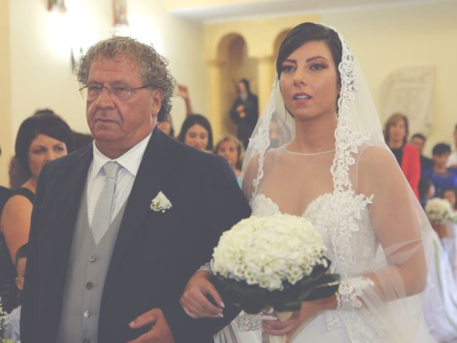 Il matrimonio di Luigi e Valentina a Melissa, Crotone 27