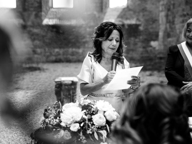 Il matrimonio di Iacopo e Giulia a Chiusdino, Siena 32