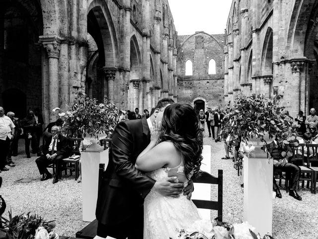 Il matrimonio di Iacopo e Giulia a Chiusdino, Siena 38