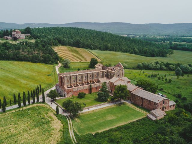 Il matrimonio di Iacopo e Giulia a Chiusdino, Siena 50