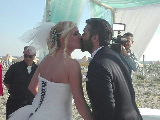 Il matrimonio di Roberto  e Letizia a Viareggio, Lucca 23
