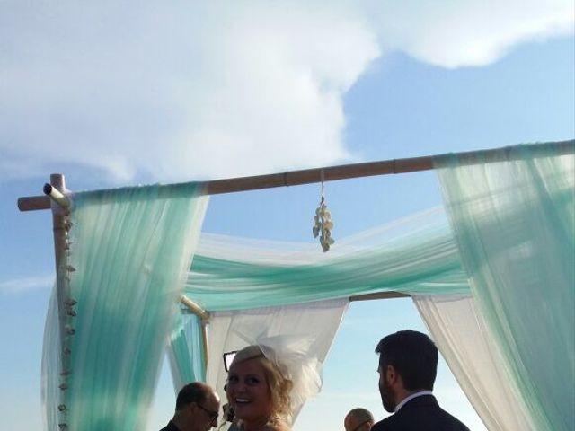 Il matrimonio di Roberto  e Letizia a Viareggio, Lucca 24