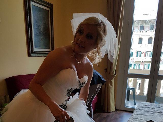 Il matrimonio di Roberto  e Letizia a Viareggio, Lucca 28