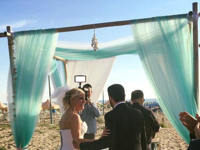 Il matrimonio di Roberto  e Letizia a Viareggio, Lucca 30