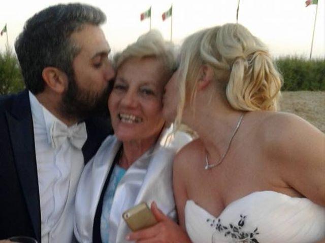 Il matrimonio di Roberto  e Letizia a Viareggio, Lucca 32