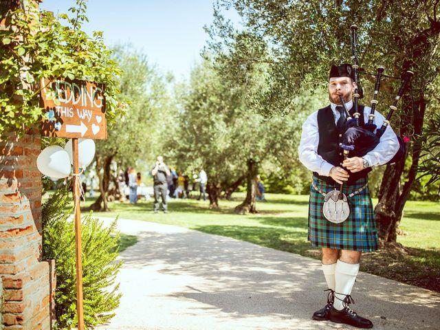Il matrimonio di Scott e Ela a Sirmione, Brescia 15