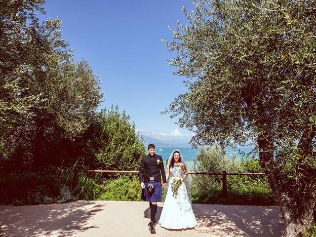 Il matrimonio di Scott e Ela a Sirmione, Brescia 32