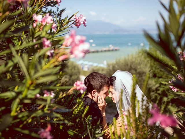 Il matrimonio di Scott e Ela a Sirmione, Brescia 46