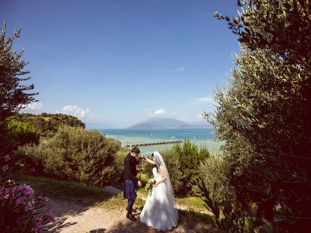 Il matrimonio di Scott e Ela a Sirmione, Brescia 60