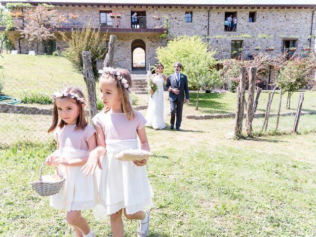 Il matrimonio di Lorenzo e Talia a Pontremoli, Massa Carrara 16
