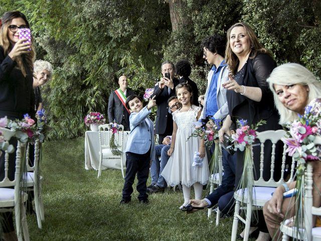 Il matrimonio di Adriano e Erica a Torre del Lago, Lucca 23
