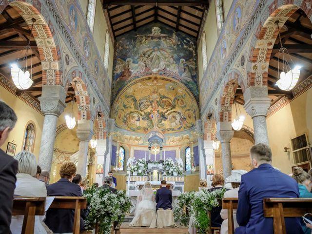 Il matrimonio di Andrea e Rebecca a Besana in Brianza, Monza e Brianza 28