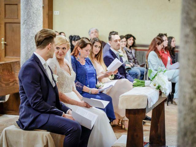 Il matrimonio di Andrea e Rebecca a Besana in Brianza, Monza e Brianza 27