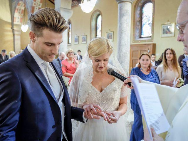 Il matrimonio di Andrea e Rebecca a Besana in Brianza, Monza e Brianza 24