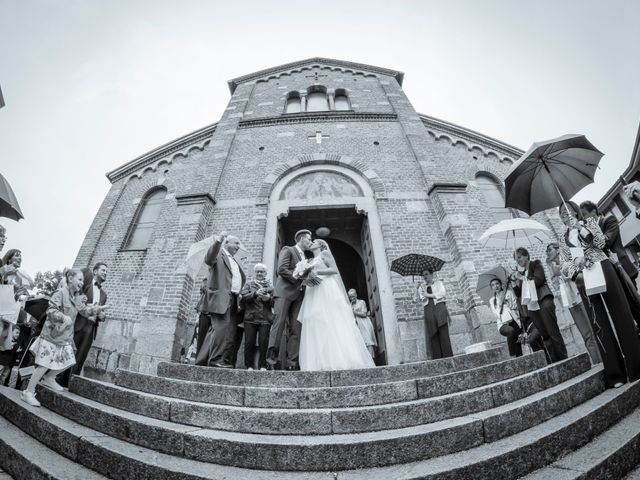 Il matrimonio di Andrea e Rebecca a Besana in Brianza, Monza e Brianza 38