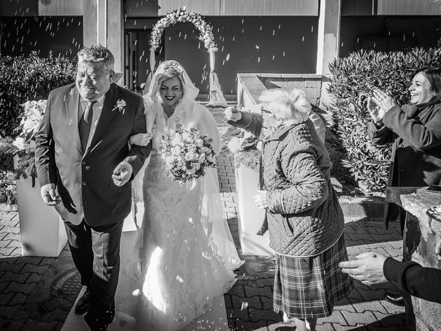 Il matrimonio di Emanuele e Valentina a Bacoli, Napoli 59