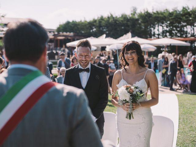 Il matrimonio di Emiliano e Evelyn a Campobasso, Campobasso 17