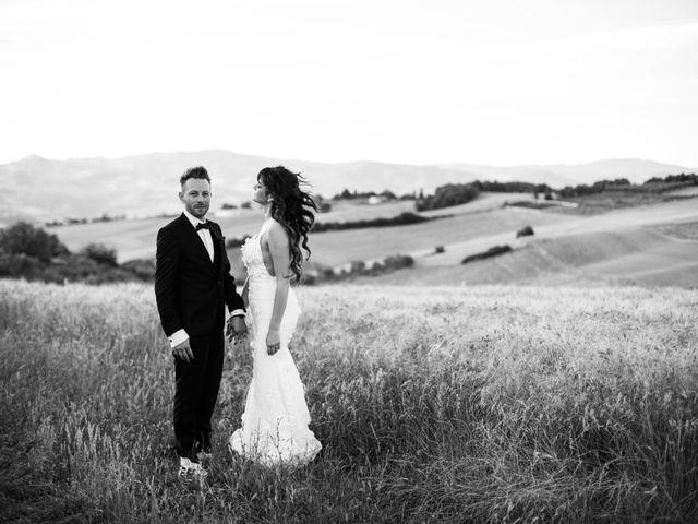 Il matrimonio di Emiliano e Evelyn a Campobasso, Campobasso 23