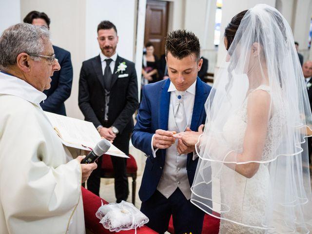 Il matrimonio di Ramona e Davide a Borgo Sabotino, Latina 19
