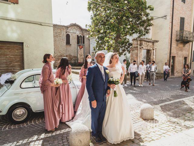 Il matrimonio di Diego e Francesca a Urbania, Pesaro - Urbino 10