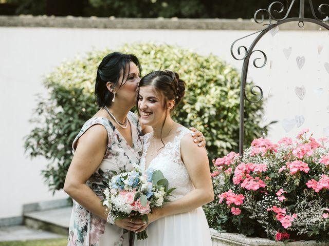 Il matrimonio di Dario e Sharon a Albese con Cassano, Como 63