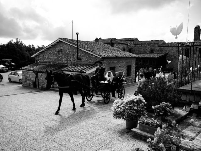 Il matrimonio di Adriano e Chiara a Castelfiorentino, Firenze 37